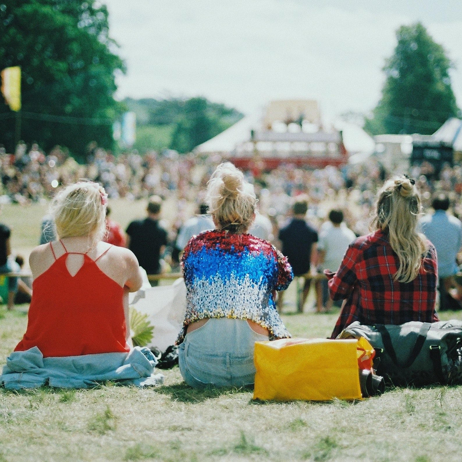 3 Girls at a festival